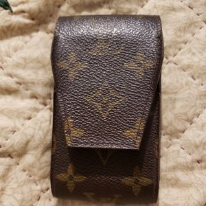 "Louis Vuitton monogram cigarette case 2.5""wx4.7""h"